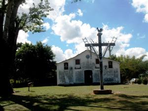 A igreja de perto (no Inverno)